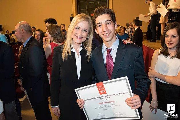 Julio Romano, Alumno De Tajamar, Recibe El Premio Extraordinario De Secundaria