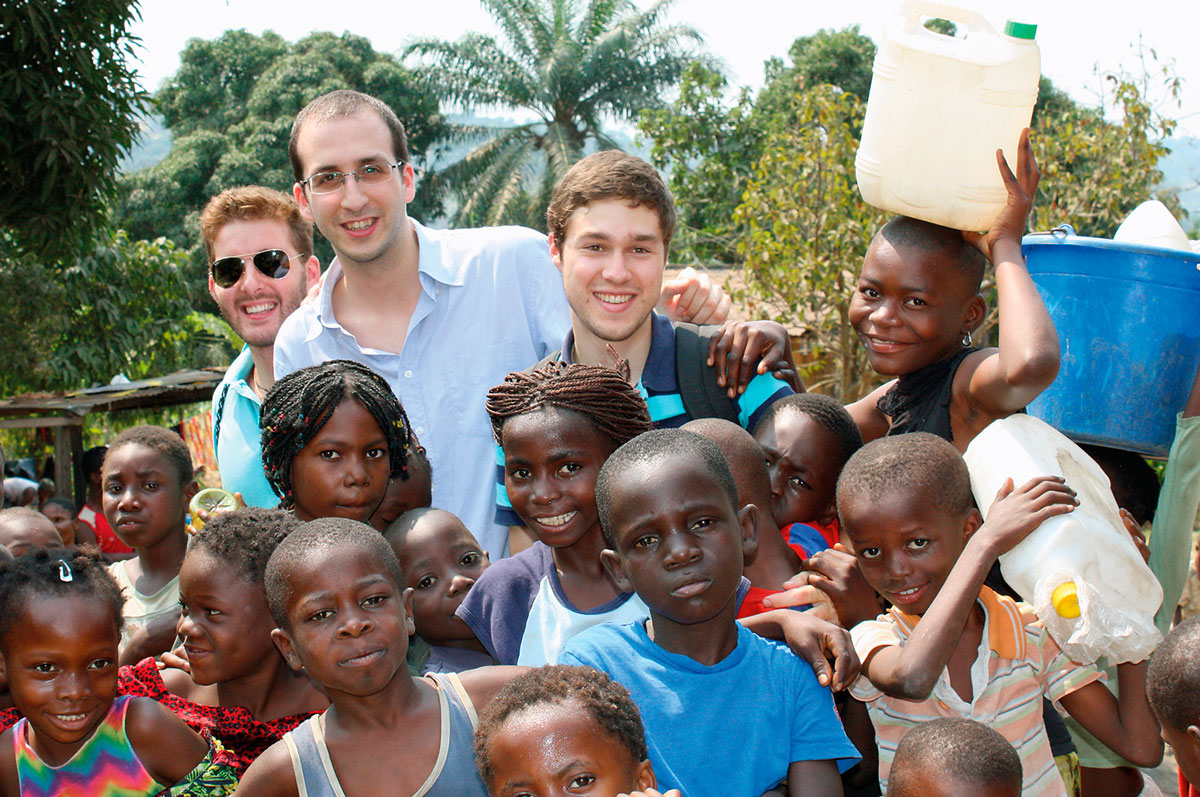 Alumni Tajamar Lleva Material Y Conocimientos A Monkole, En El Congo
